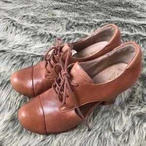 MIZ MOOZ Hollis Tan Leather Lace Up Heel Size 6